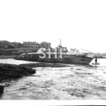 05.K12 at low tide at Fairlight Beach. 1949. SHF Coll.