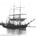 ADMIRAL 1883 (tug) alongside ONYX built 1864, seen at Auckland (SHF Coll.)