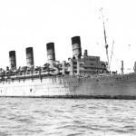 AQUITANIA off Fremantle, 1940. SHF Coll.