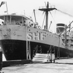 FREMANTLE STAR 1944, alongside. SHF Coll.