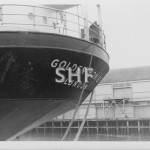 GOLDEN WONDER 's counter stern, Sydney 1964.SHF Coll.