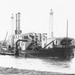 GROPER Suction dredge at Moruya, c. 1900. SHF Coll.