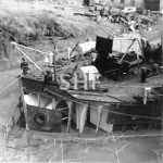 H E STREET 1949-1983, Awash in Rileys Hill Dock. SHF Coll.