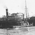 MATARAM 1909-1934 with tug EMU.June 22,1932.SHF Coll.