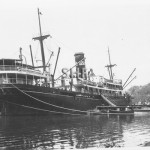 MATARAM 1909-1934, working tropic wharf.SHF Coll.