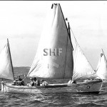RAN sail-pulling whaler with Montague rig.SHF Coll.