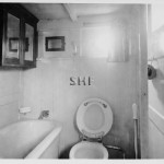 REVONAH 1908, Albert motor launch, bathroom.SHF Coll.