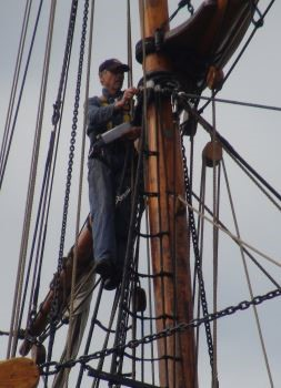 Ainslie carried out a mast inspection on the foremast
